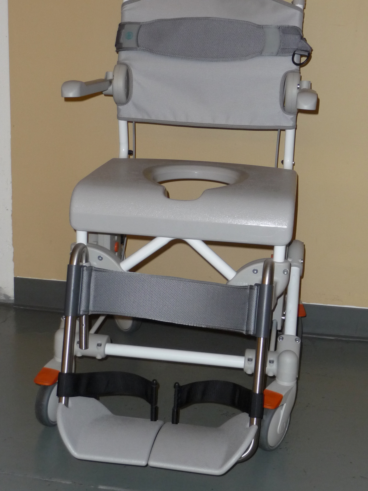 point - Postioning Harnesses & Belts for Wheelchairs